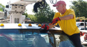 Mobile Englewood Construction Equipment Windshield Replacement